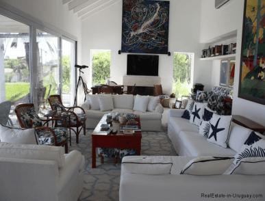 5045-Beach-House-La-Barra-Living-Room