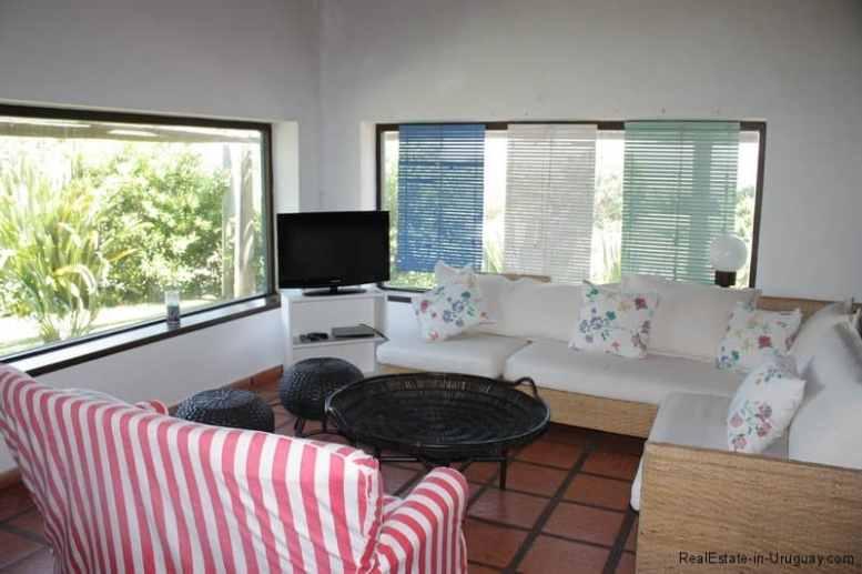 5726-Living-of-House-in-Jose-Ignacio-Village