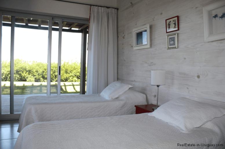 5774-Beach-House-close-to-Jose-Ignacio-Guest-Bedroom