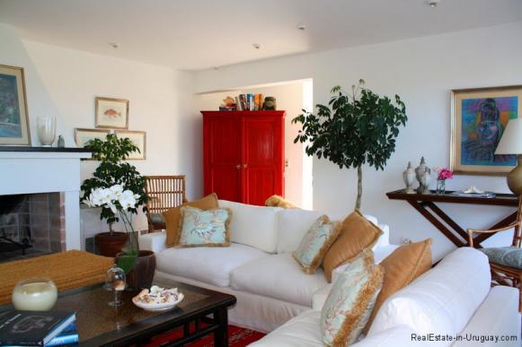Small-Beach-House-Santa-Monica-Living-Room2