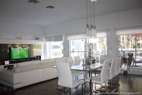 Modern Home in Parque Burnet - Dining area