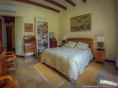 Beautiful Estancia with Vineyard - Master Bedroom