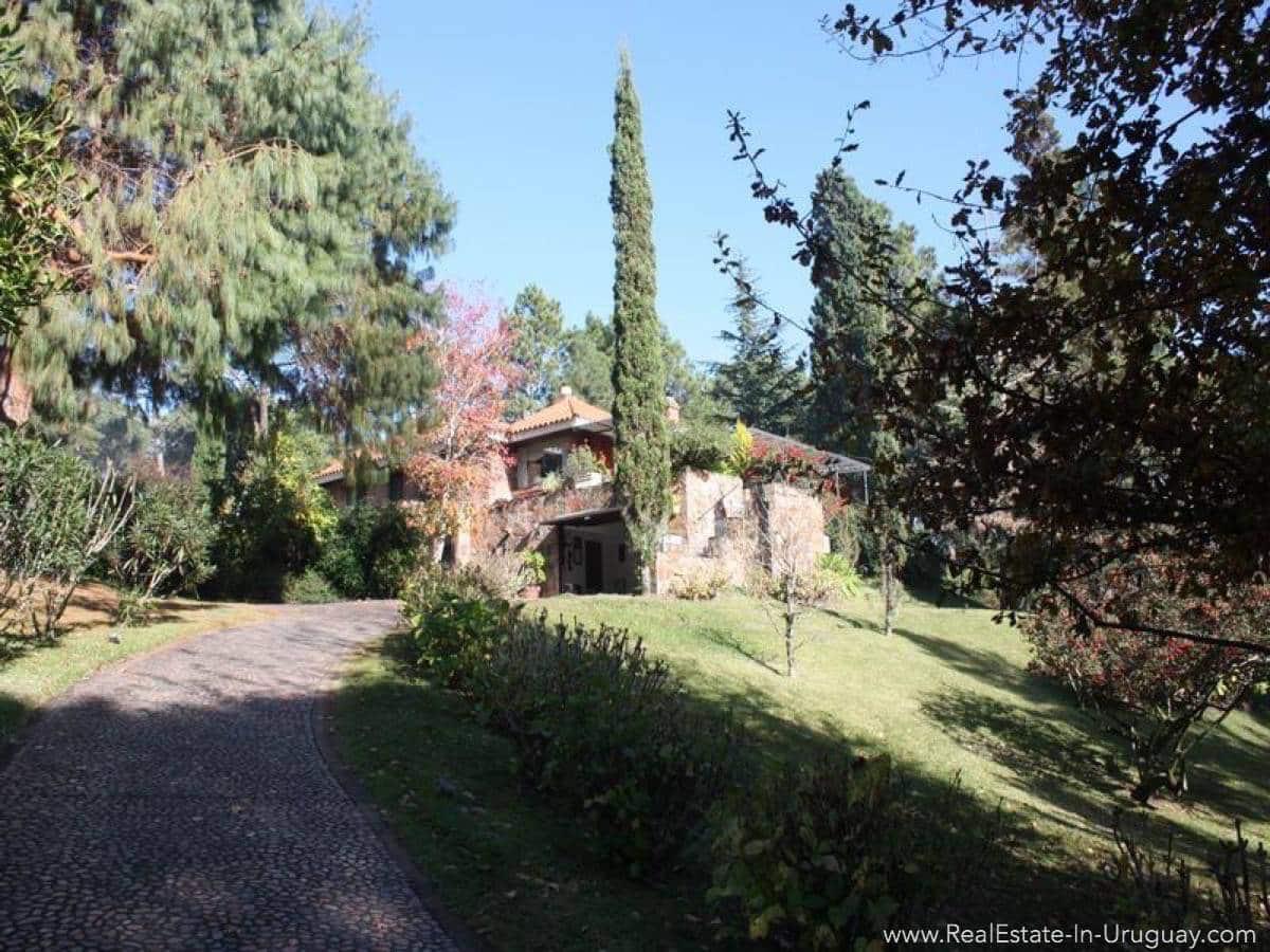 Nice Home by Club Del Lago - Driveway
