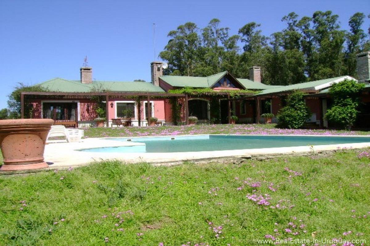 Smaller Estancia off Ruta 104 - Outside House with Pool