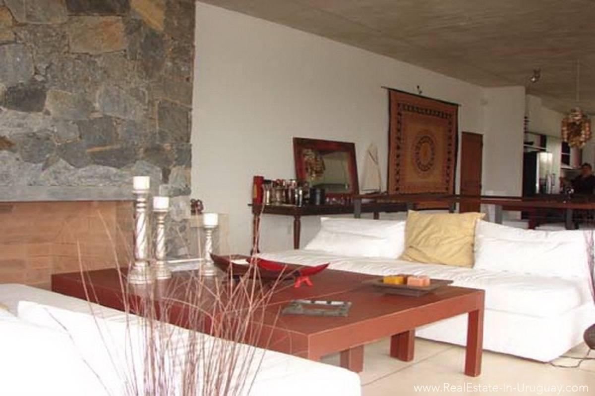 Modern Beach House Club del Mar - Living Room
