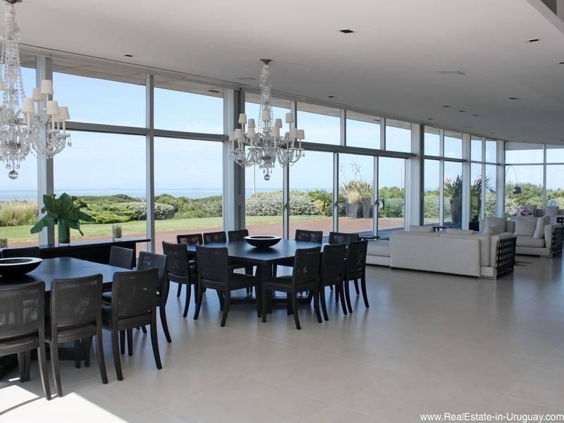 Luxurious Acqua apartment with garden and sea views bathroom
