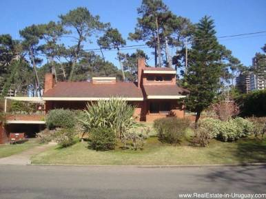 centrally located home in the cantegril area in punta del este