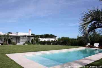 Newer home with pool in Montoya by La Barra