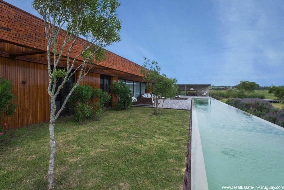 Stylish Modernist Architecture in Exclusive Fasano Community
