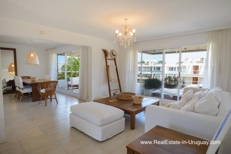 Apartment with Roof Top Terrace in Punta del Este