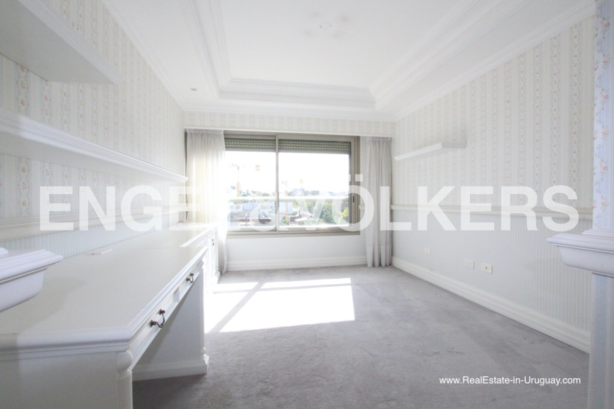 Beachfront Large Apartment in Buceo Montevideo