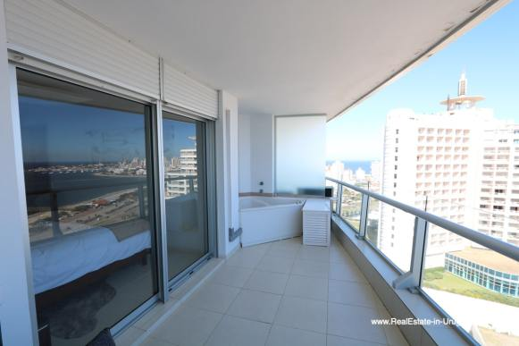 Jacuzzy of Bright Modern Apartment with Sea Views in Punta del Este