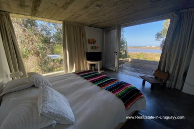 5998 Modern Home with Lagoon Views in Santa Monica near Jose Ignacio - Guestbedroom and View