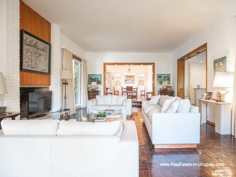 Living Room Large Property in the El Golf Area in Punta del Este