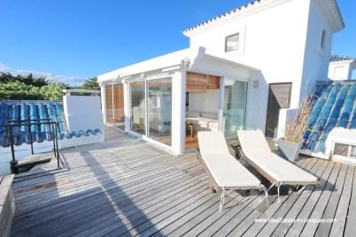 Terrace of Penthouse with Ocean Views on Brava in Punta del Este