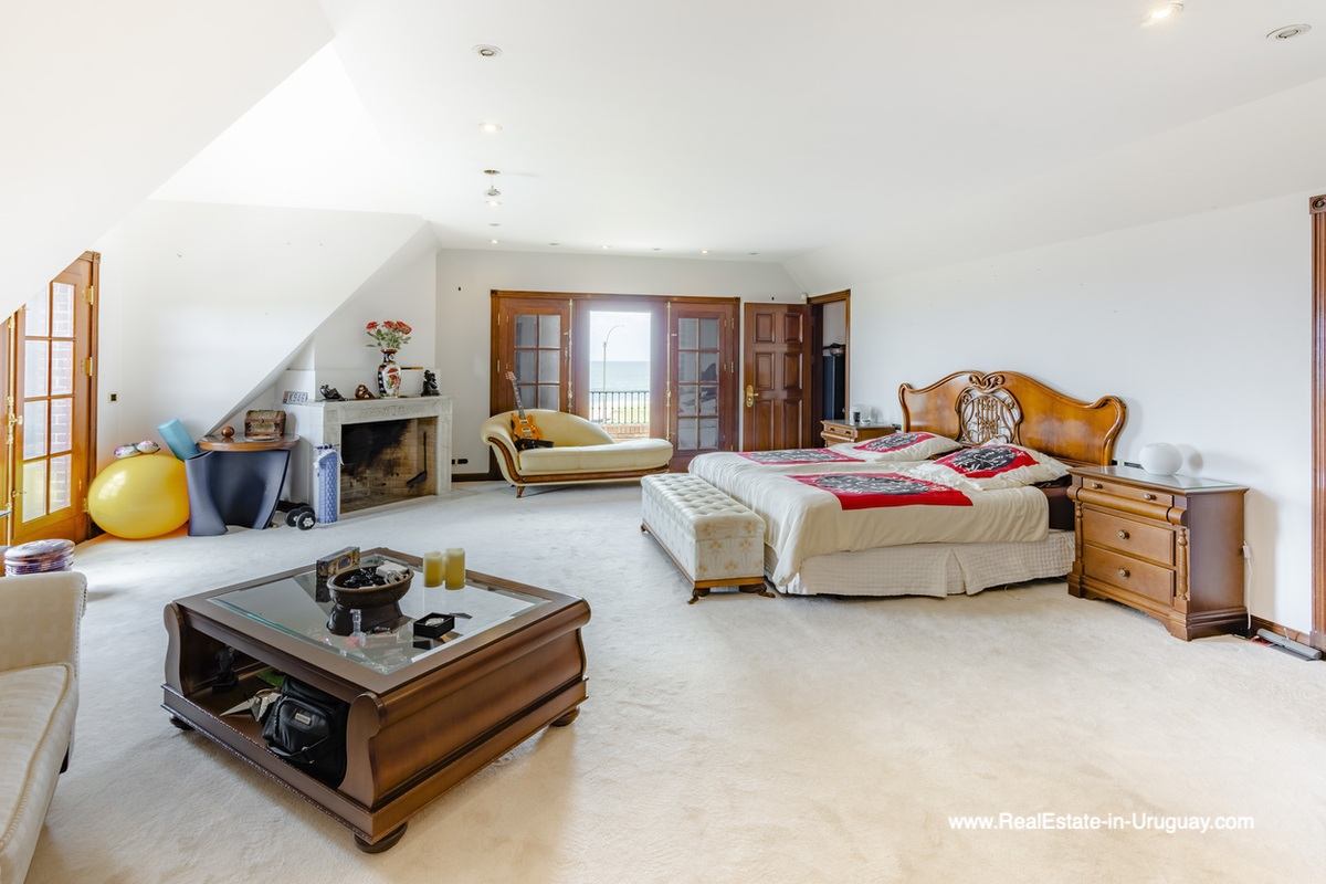Master Bedroom of Frontline Estate on the Mansa Beach in Punta del Este with incredible Views