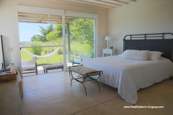 6500 Country House in Jose Ignacio with Lagoon Views - Master Bedroom