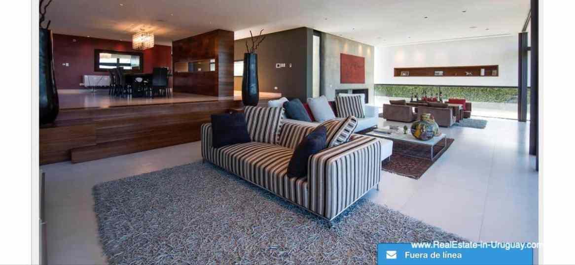 Modern High-Tech Home in Laguna Blanca by Manantiales