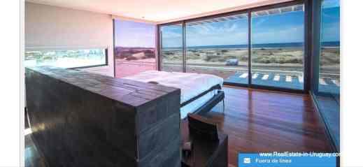 Master Modern High-Tech Home in Laguna Blanca by Manantiales