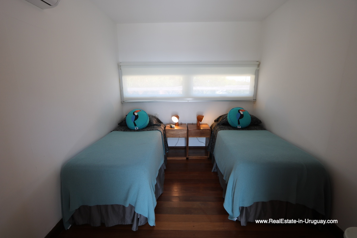 Guest Bedroom of Modern Home in Santa Monica near Jose Ignacio on the Lagoon