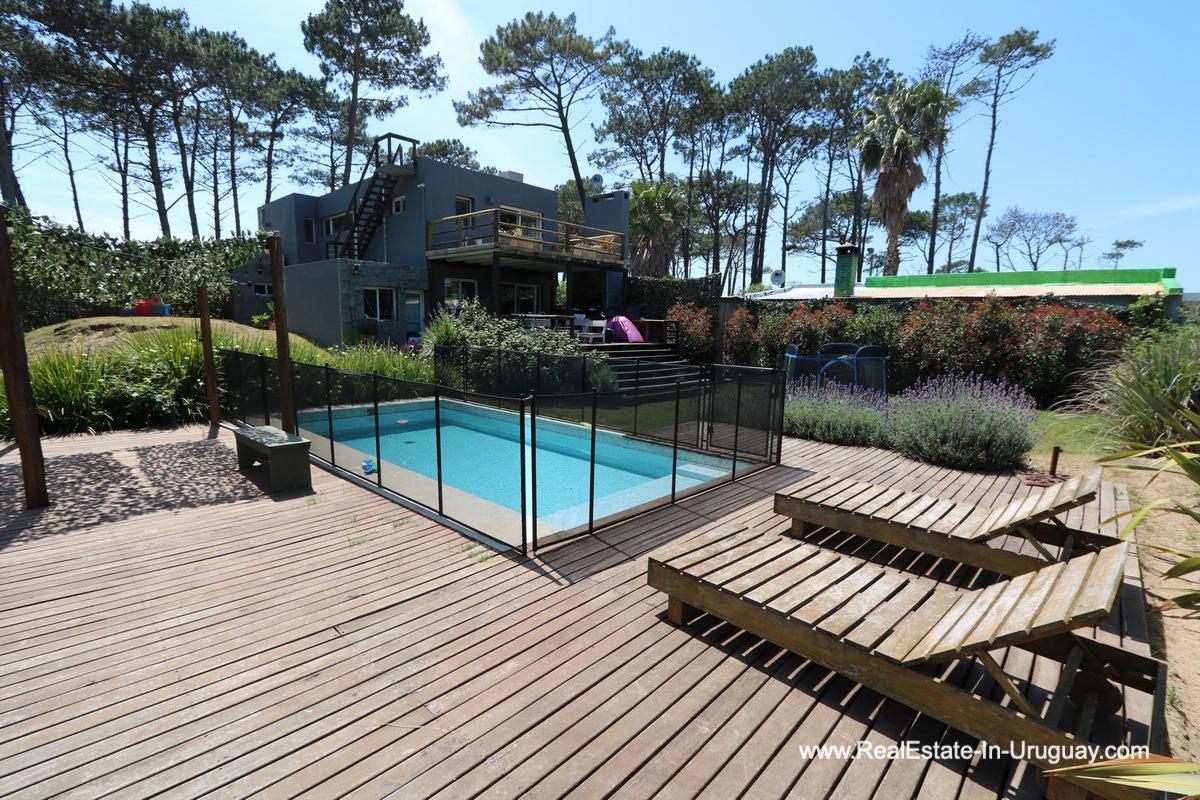 Modern Home in the Deck of Montoya Area by La Barra