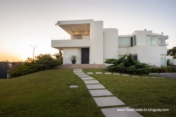Side of Elegant Home Frontline on the Mansa in Punta del Este