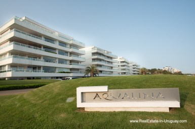Building of Spacious Apartment on the Brava in Punta del Este
