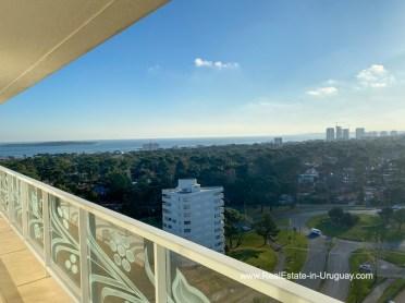 Mansa YOO Apartment on a High Floor with Ocean Views in Punta del Este
