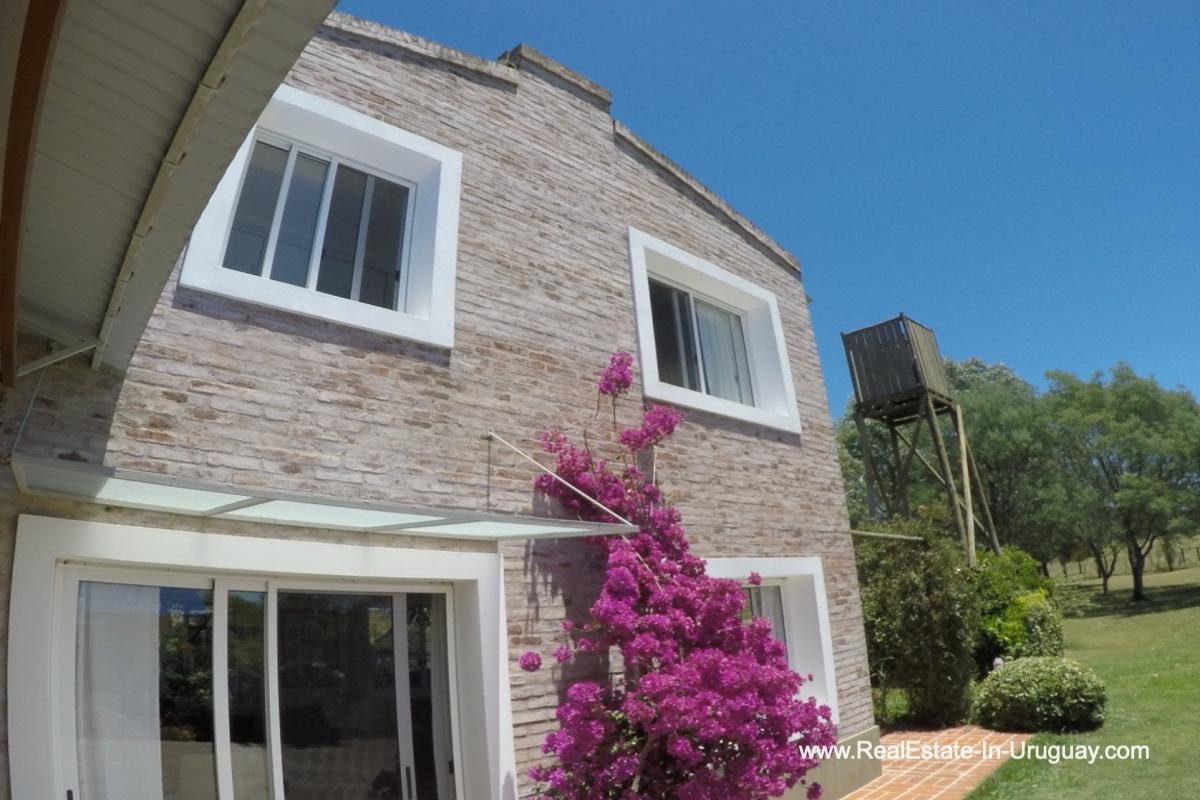 Guest house of Charming-Farm-between-Ruta-104-and-Santa-Monica-Entrance