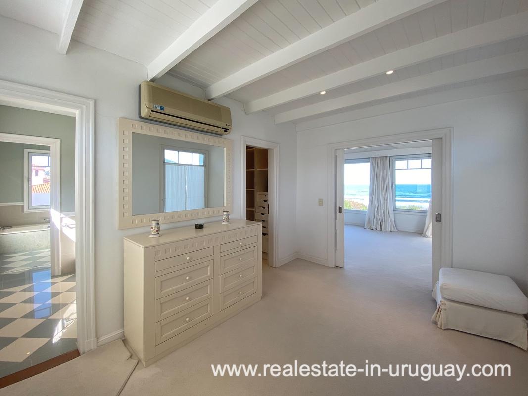 Master suite of Large Oceanfront Villa in Punta Ballena