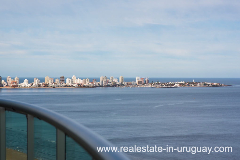Views of Modern Large Penthouse on the Mansa in Punta del Este