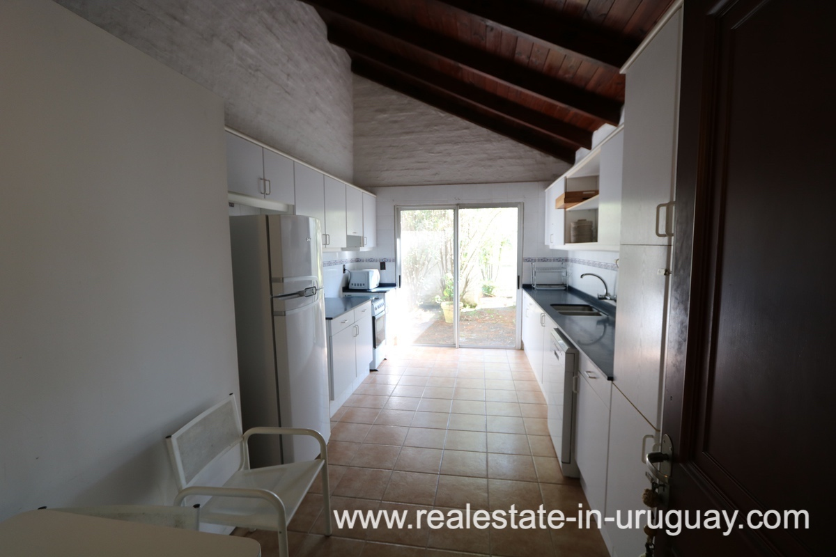 Kitchen of Countryside Property between Jose Ignacio and Garzon