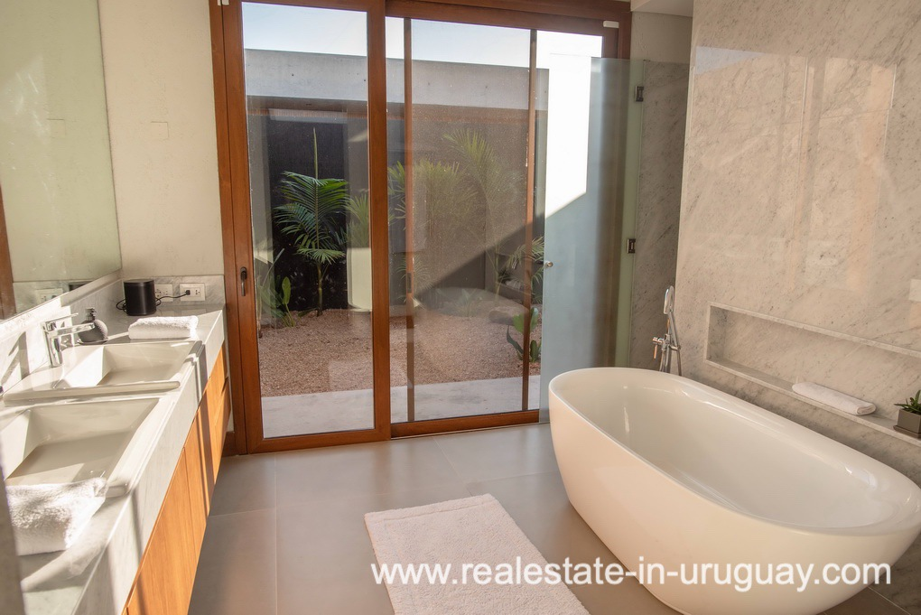 Bathroom 2 of Modern and Style combined with Country Views in Pueblo Mio by Manantiales