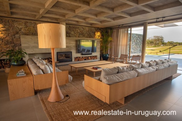 Living Area of Modern and Style combined with Country Views in Pueblo Mio by Manantiales