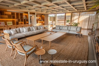 Living room of Modern and Style combined with Country Views in Pueblo Mio by Manantiales