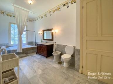Bathroom of Villa in EL Golf Punta del Este
