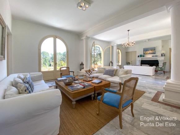 4925 Italian Villa in EL Golf Punta del Este - Living area