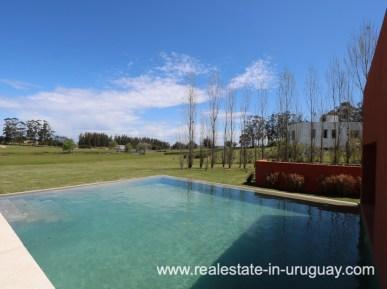 Pool of Modern American Style in El Quijote