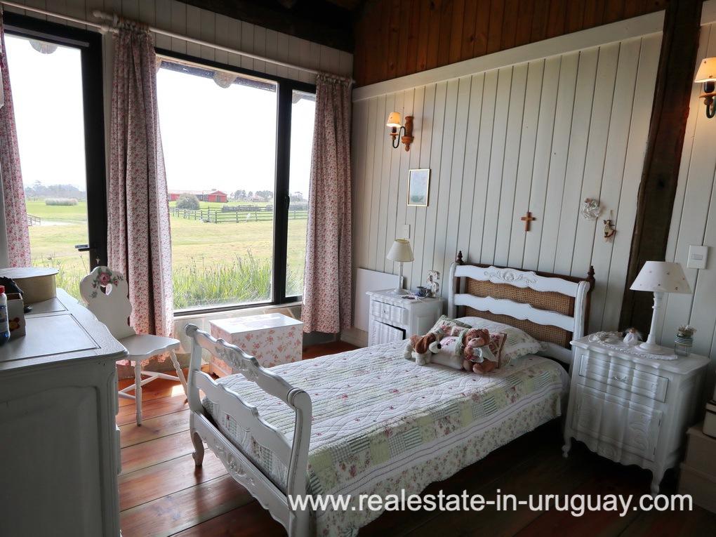 Guest Bedroom 4 of Farm House in El Quijote near Fasano and La Barra