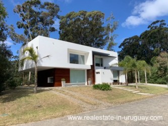 House of Modern Home in a Gated Complex in Solanas by Punta Ballena