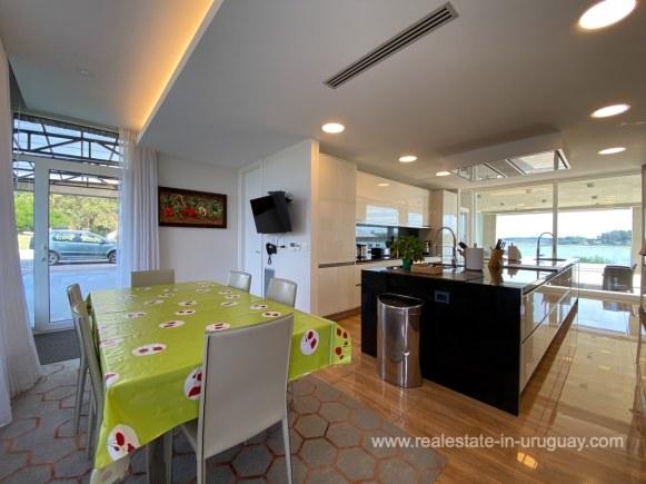 6854 Modern House on Laguna del Sauce - Kitchen