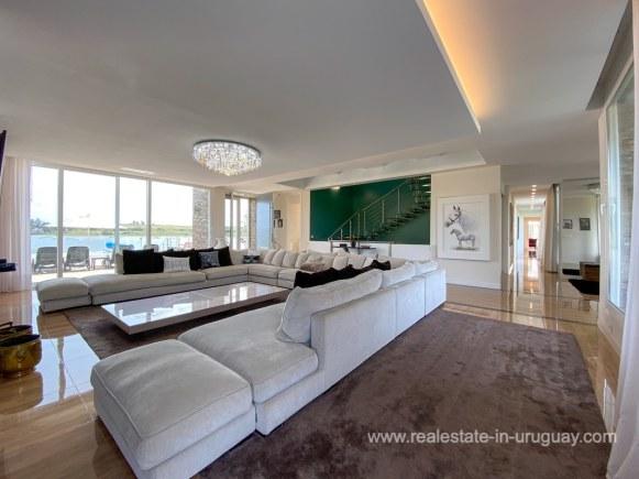 6854 Modern House on Laguna del Sauce - Living Room3