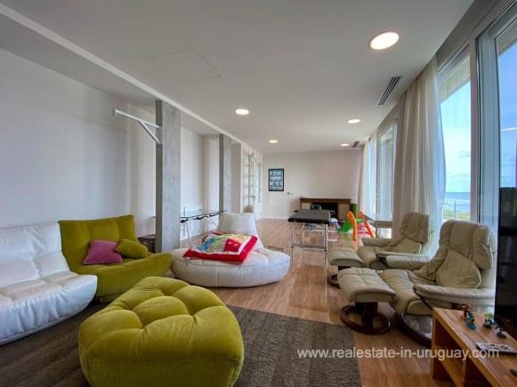 6854 Modern House on Laguna del Sauce - Playroom