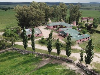 House of Estancia with 95 Hectares between Pan de Azucar and San Carlos