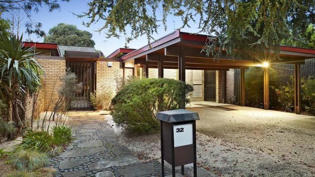 Geleverd Editorial Ernst Fooks House, 32 Howitt Rd, Caulfield North, exterieur nu.