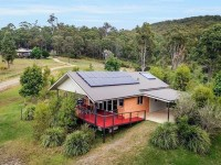 Off-Grid Living - 6 Beautiful Aussie Homes Off The Grid