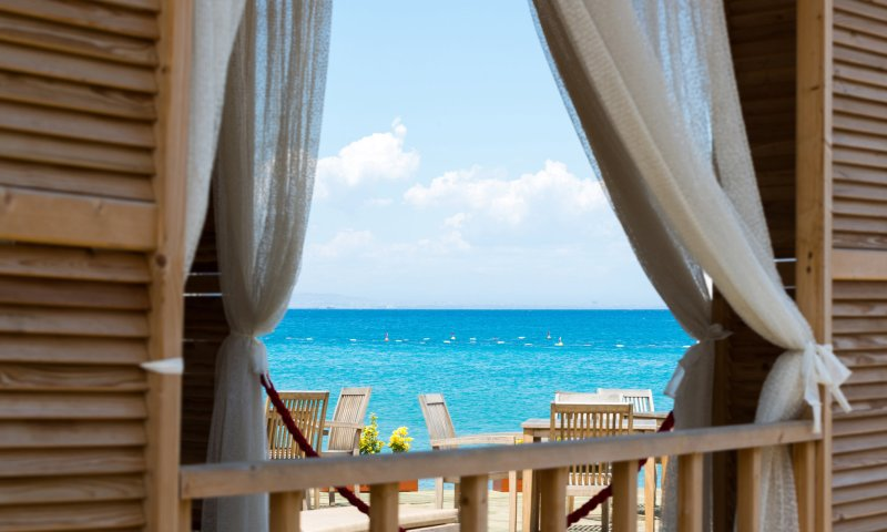 The Pros and Cons of Beach Living