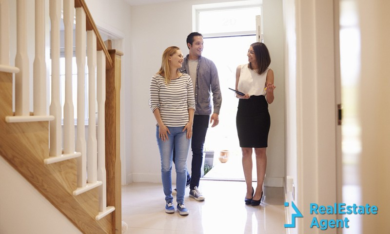 personal safety tips for real estate agents