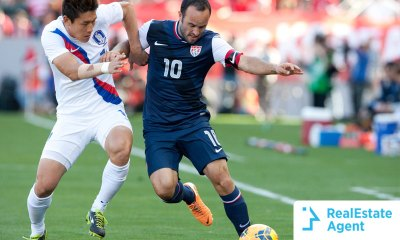Landon Donovan playing a game for the US soccer national team