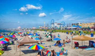 Ocean City beach full of people